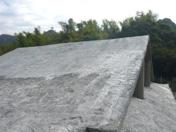 斜屋頂-施工中