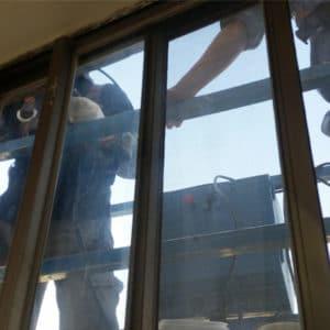 吊籠窗框外部止漏作業