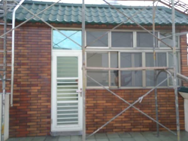 4樓後門窗-整修後