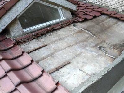 屋瓦-整修施工中